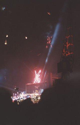 Feux d'artifice au concert des Docklands de Jean Michel Jarre, en 1988.