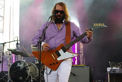Sébastien Tellier et sa guitare
