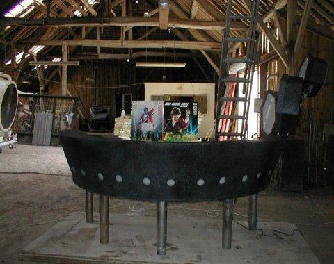 Clavier circulaire utilisé à Houston et à Lyon par Jean Michel Jarre, dans un entrepôt, pendant sa restauration