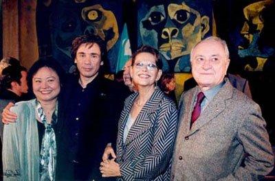 De gauche à droite : Kim Phuc Phan Thi, Jean Michel Jarre, Claudia Cardinale et Pierre Bergé