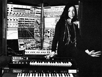 Suzanne Ciani et le synthétiseur Buchla