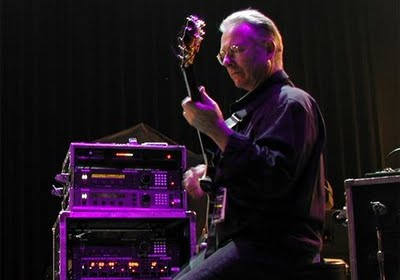 Robert Fripp à la guitare